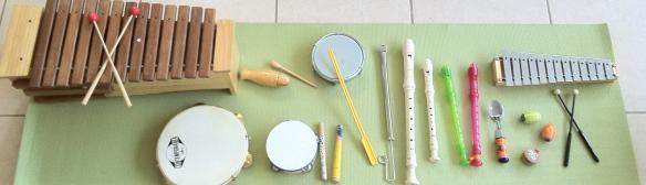 uma seleção dos instrumentos de musicalização
